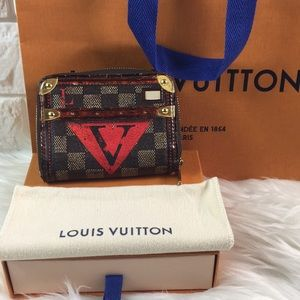🚨LIMITED EDITION 🚨Zippy wallet Louis Vuitton